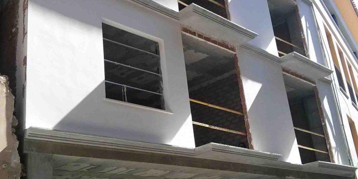 Edificio de 14 viviendas, locales y sótanos en Lorca (Murcia)