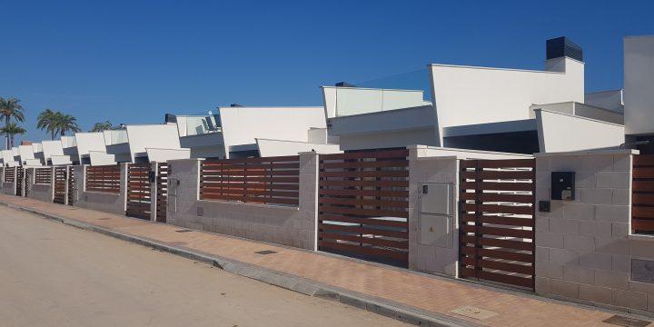 12 viviendas unifamiliares con piscina en Los Alcázares (Murcia)