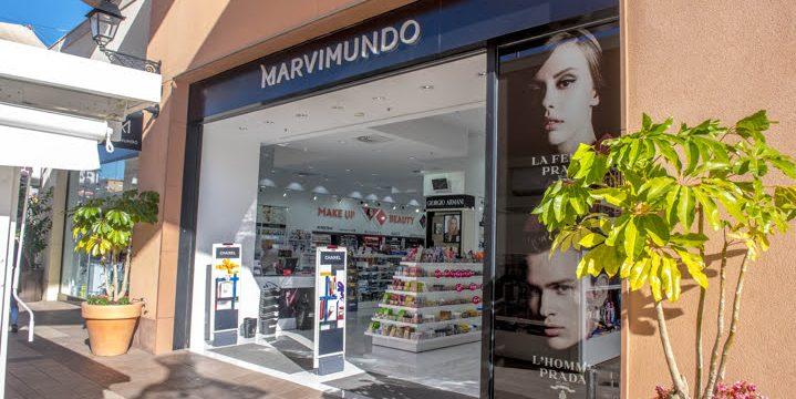 Reforma de local destinado a perfumería en La Zenia Boulevard, Orihuela Costa (Alicante)