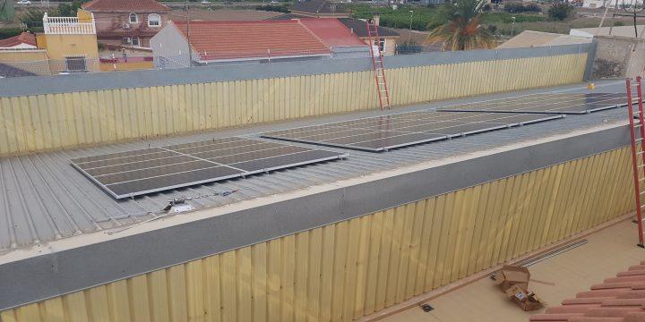 Instalación fotovoltaica de autoconsumo de 42,88 kWp en Orihuela (Alicante)