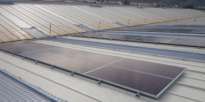 Instalación fotovoltaica de autoconsumo de 27,47 kWp en Redován (Alicante)