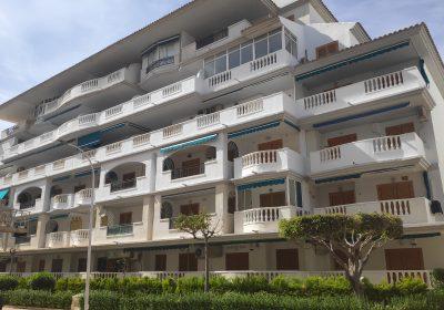Pintura de fachada en 3 bloques de viviendas en Torrevieja (Alicante)